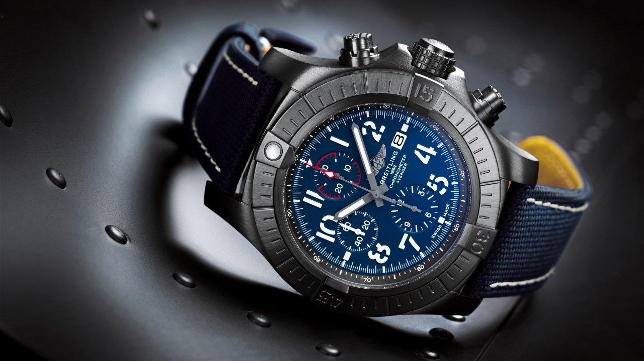 super-avenger-chronograph-48-night-mission