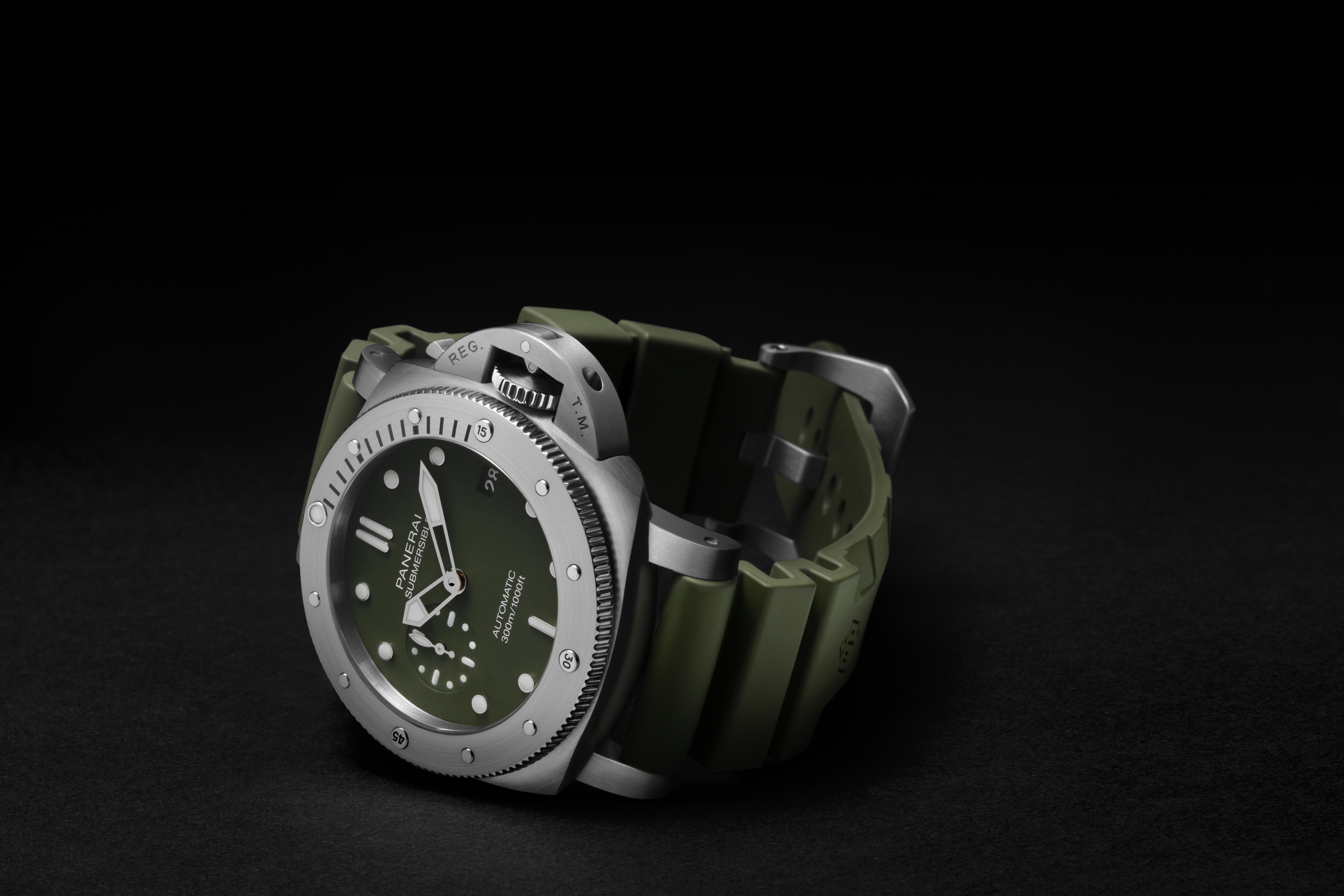 Panerai - Submersible verde 42mm